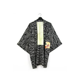 Back to Green-Japan brought back the feather weaving black line wave hand-painted / vintage kimono
