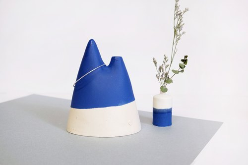 Leisurely mountain blue ceramic flower ·