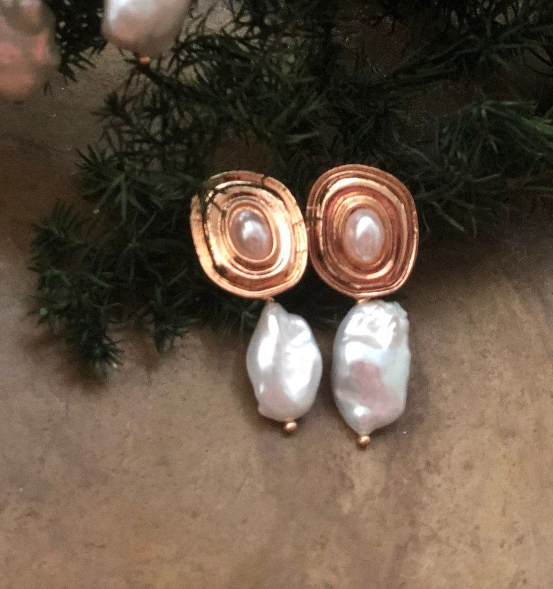 Petit Voyage/Holiday Series #1 Pearl Earrings