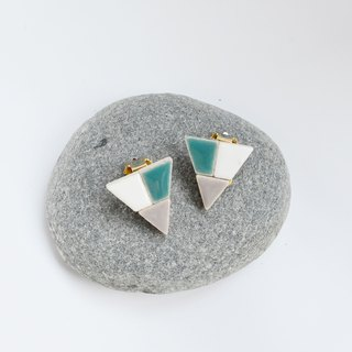 Corner triangle (L003) earrings / ear clip