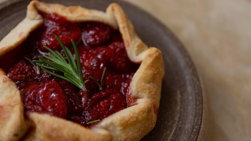 VEGAN COUNTRY FRUIT GALETTE