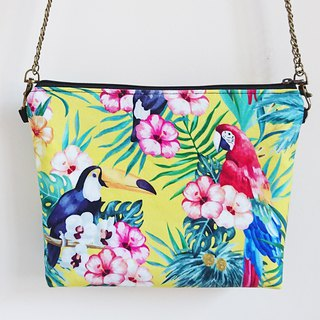 Yellow-tailed Toucan Parrot Holiday Multi-purpose Chain Bag