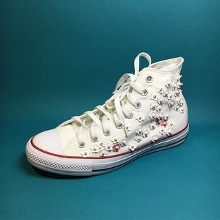 canvas shoes flower
