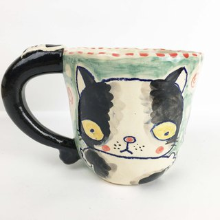 Nice Little Clay handmade mug of funny little cat 0103-15