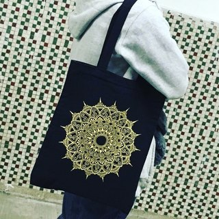 Shoulder bags hand-painted hand-painted quality cotton bag black gold inside zip Henna Mandala design Mandala Zen painting Hanna Man pedicle about ethnic Indian painted canvas