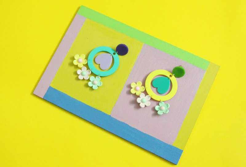 [Seventh Street 7th Shop] Original three-color flower heart-shaped earrings