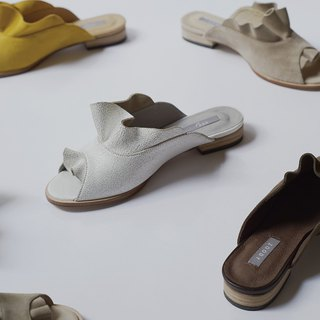 ZOODY / shell / handmade shoes / round flat slippers / white