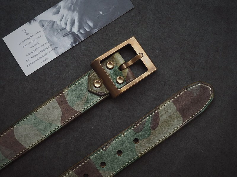 Rubbing wax army green camouflage on hand sewing belt belt heavy duty removable brass hardware can be customized lettering