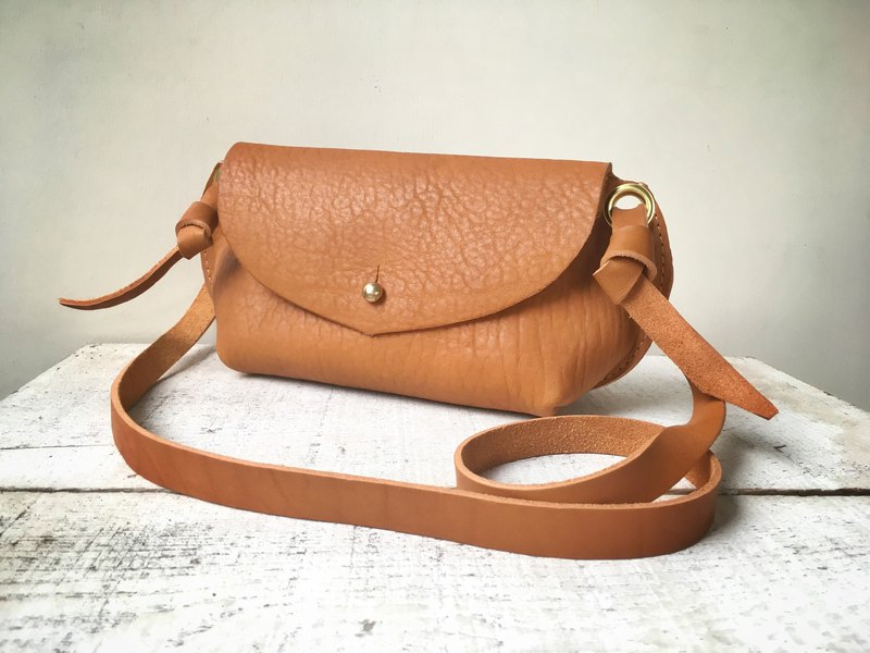 Himeji leather made leather shoulder pouch fave S camel