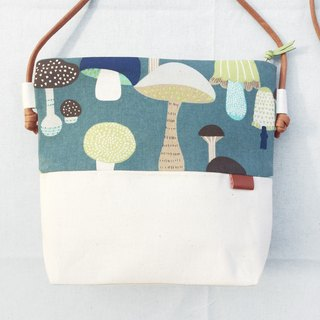 Small oblique backpack - Mushroom Party