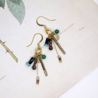 [Riitta] little green planet earrings