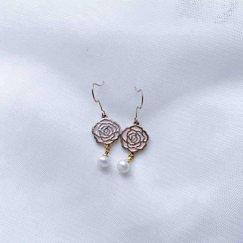 SL283 Light you up Elegant Rose Pearl Earrings (Wear / Clamp) Powder / White