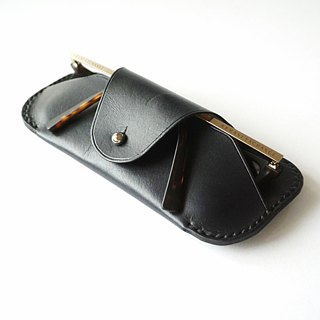Sunglasses Case in Brown and Black leather / reading glass / spectacle case