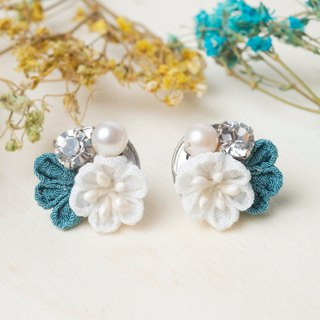[Little Bell] つまみ 工 / Freshwater Pearl Crystal and Wind Cloth Earrings (Peacock Blue)