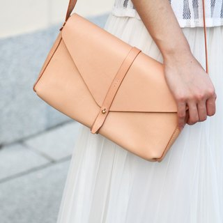 Envelop Clutch / Vegetable tanned / Leather / C;utch / Crossbodies