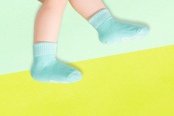 【快速出貨/免運】馬卡龍防滑2分之1童襪(薄荷綠)│質感禮盒包裝