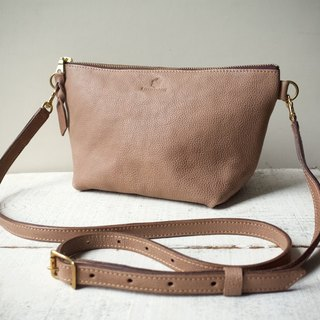 "【Order Production (Delivery time: about 2 weeks)】 JAPAN Leather * Nume leather clutch shoulder pouch ""barco"" L (grege)"