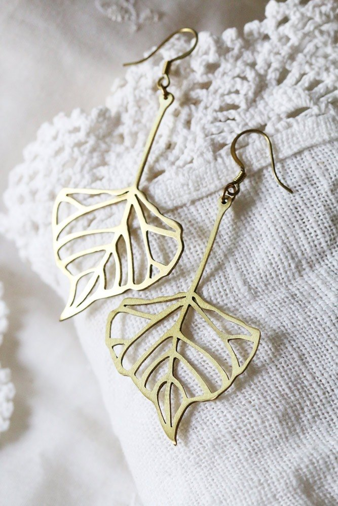 Leaf Earring by linen.