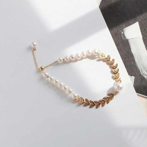 MissQueeny retro small fresh Golden Spike Spike natural pearl bracelet