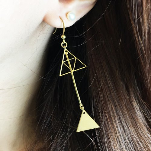 Can change the clip - brass geometric drop earrings - magic curse - a single branch