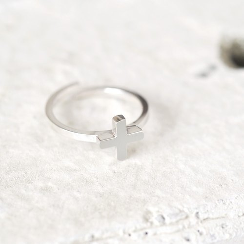 Tiny Cross ring 925 Sterling Silver