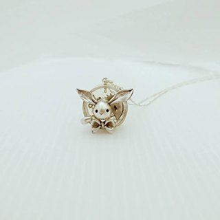 999 sterling silver bunny rabbit living in the circle