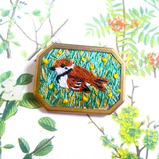 Wild bird embroidery brooch tree sparrow pin ブ ロ ー チ