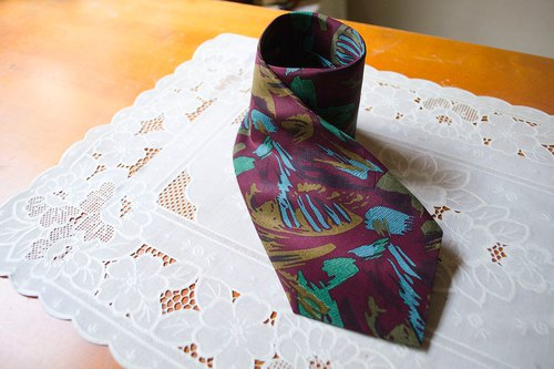 Rational seduction. Wine red cool strokes nostalgic nostalgic printing narrow tie #Vintage # Vintage # Wan Er
