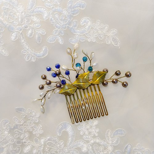 Wearing a happy rice ear series - bridal hair comb. French comb. Self-service wedding - blue and green wings