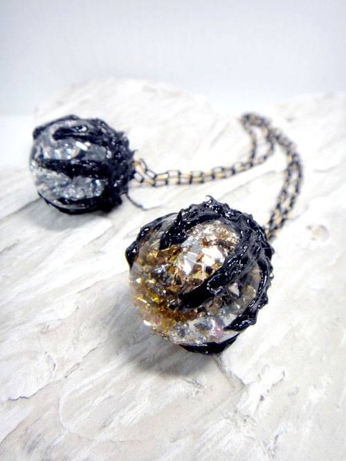 OBK series of gold and silver foil black claw necklace silver glass ball crystal ball soft black dark lines