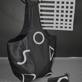 Black and white geometric hand / shoulder bag