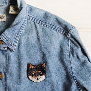 Animal embroidery pin / brooch - black Shiba