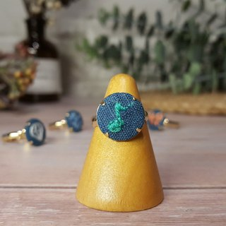 Embroidered cloth ring _ blue series _ notes