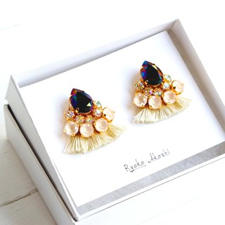 Silk and Swarovski post earrings/clip‐on クリーム