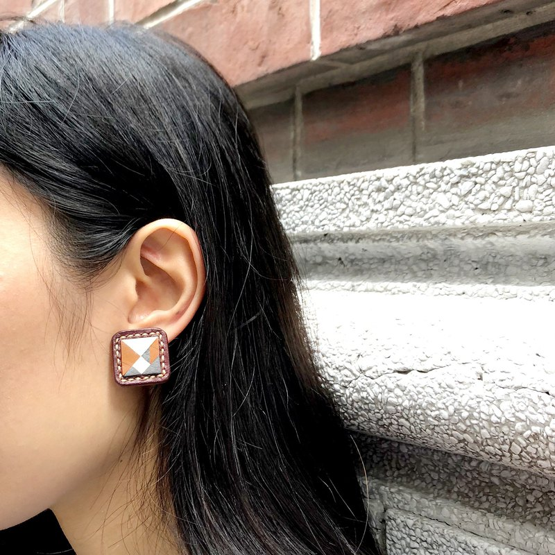 <Tangram Series> Handmade Leather / a pair of earrings