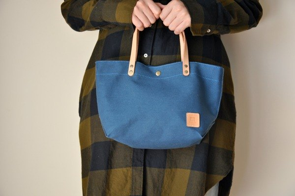 HB07 small canvas bag - sky blue