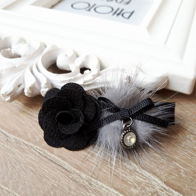 Warm water mane rose hair clip / gray + black