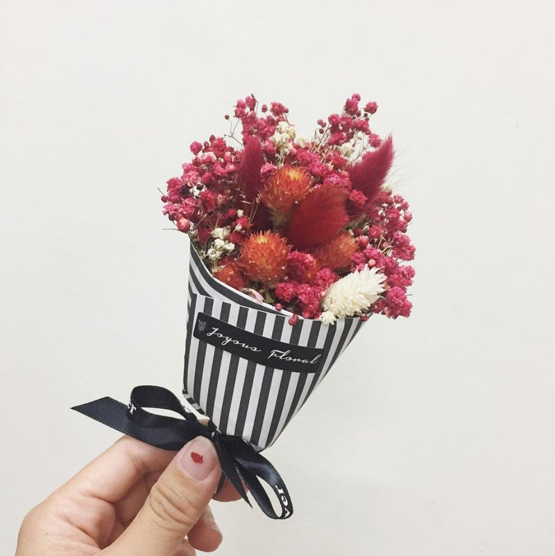 Unrequited love burning / / Red French mini bouquet / dry flower ...