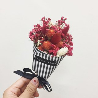 // Unrequited love burning / / Red French mini bouquet / dry flower hand made