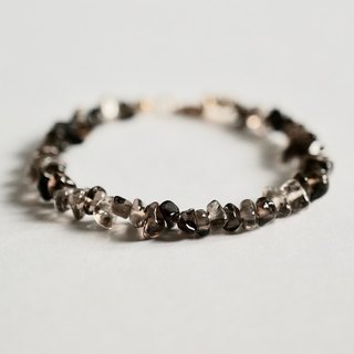 ITS-B119 [natural stone series, tea crystal] button bracelet.