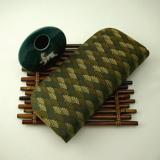 "Jingxijianjinjuan are silk ""Kam split pine leaflets"" - long clip / wallet / purse / gift"