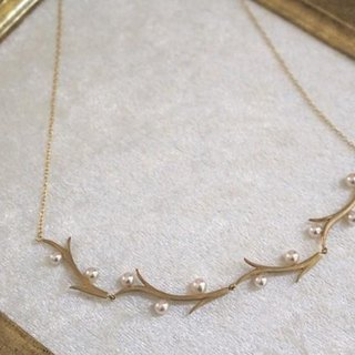 Akoya branch of the Pearl Necklace 3 (gold color)