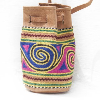 Leather storage bag national wind bag leisure card set mobile phone bag purse headset bag - desert embroidery
