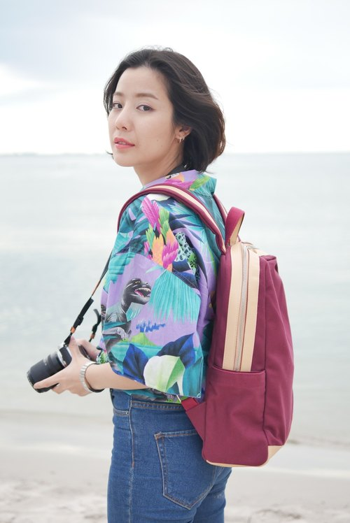WEEK'N BACKPACK (MAROON RED & CREAM) 背包 / Birthday Gifts / Exchange Gifts / Graduation Gifts