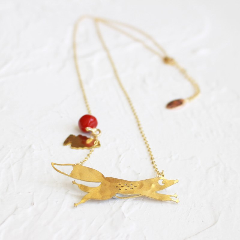 Fox hammered brass golden necklace I Story_Fox's Love