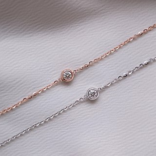 Simple round diamond fine bracelet