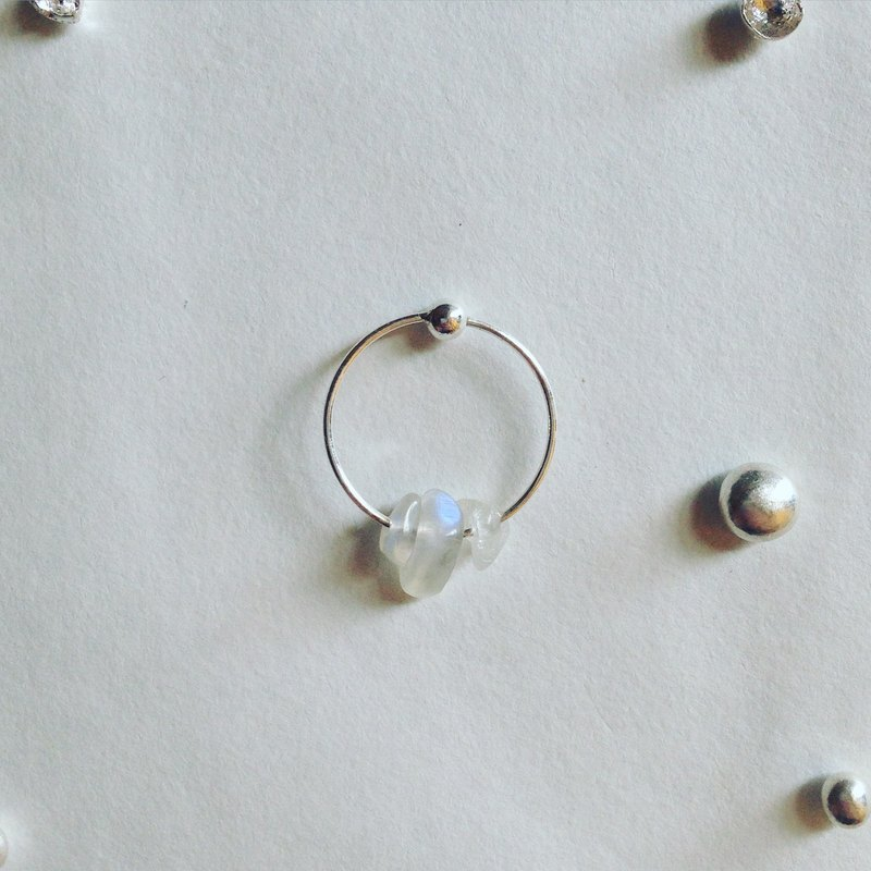 Minimalism circle/moonstone .925 silver earrings single earring for sale