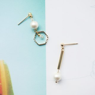 Simple Design Earrings / Swarovski - Pin/Clip Type