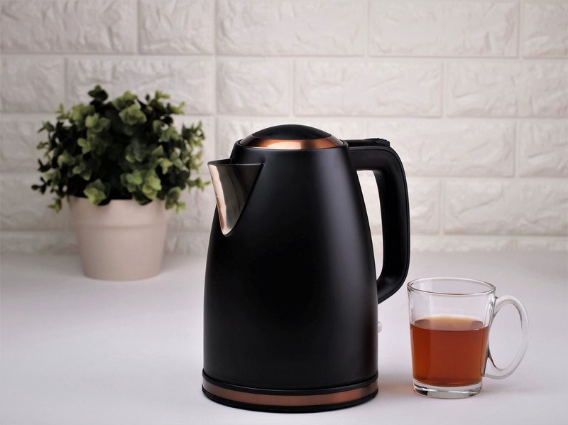 1.7L Cordless Rapdi Boil Electric Warer Kettle - Retro Matt Black