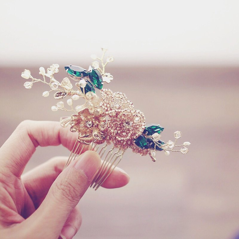 Vintage Bridal Headpiece, swarovski Bridal Headpiece, Emerald Haircomb